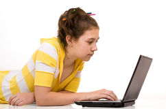 Junges Mädchen mit Notizbuch Lizenzfreies Stockfoto