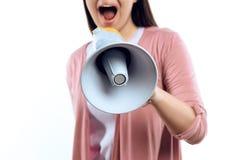 Junges Mädchen spricht in Megaphon stockfotografie