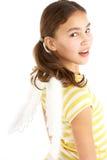 Junges Mädchen-tragende Engels-Flügel Stockfotos