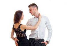 Junges nettes Paarumarmen Lizenzfreie Stockfotos
