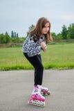 Junges rollerblading Mädchen Lizenzfreies Stockbild