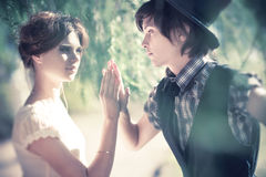 Junges romantisches Paarportrait lizenzfreies stockbild