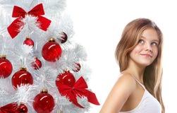 Junges schönes Mädchen auf weißem Hintergrund stockbilder
