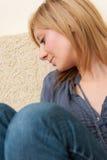 Junges trauriges und deprimiertes Mädchen Lizenzfreie Stockbilder