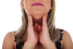 Junges weibliches, Halsschmerzen habend Stockfotografie