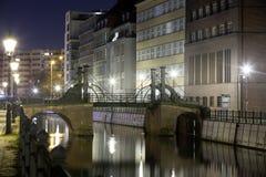 Jungfernbrà ¼ cke Berlin przy nocą Zdjęcia Stock