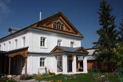 Jungfrau des Tikhvin Klosters. Ausschließendes Gehäuse. Lizenzfreies Stockbild