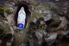 Jungfrau Mary Statue Religious Religion Spirituality stockbild