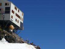 Jungfrau, Suiza 08/06/2009 Refugio de la alta montaña del j fotografía de archivo libre de regalías
