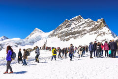Jungfraujoch, die Schweiz - 29. April 2017: Schöne Schnee Alpen Lizenzfreies Stockbild