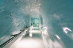 Jungfraujoch Schweiz - April 29, 2017: Sikt av Jungfrauen Fotografering för Bildbyråer