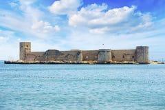 Jungfru- för slottkizkalesi för ` s mersin, Turkiet royaltyfri foto