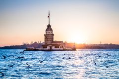 Jungfru- torn eller Kiz Kulesi Istanbul, Turkiet Fotografering för Bildbyråer