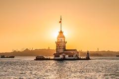 Jungfru- torn eller Kiz Kulesi Istanbul, Turkiet Arkivfoto