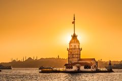 Jungfru- torn eller Kiz Kulesi Istanbul, Turkiet Royaltyfri Foto