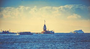 Jungfru- torn eller Kizkulesi för ` s i Istanbul Royaltyfria Foton