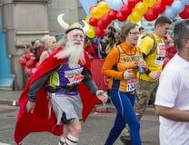 Jungfrulig pengarLondon maraton 24th April 2016 Arkivbilder