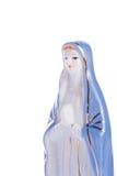 Jungfruliga Mary staty på vit Arkivfoton