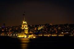 Jungfrus torn- eller Kiz kulesi i Istanbul, Turkiet Royaltyfri Fotografi