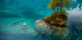 jungfrustaty switzerland för blausee ii Royaltyfri Foto