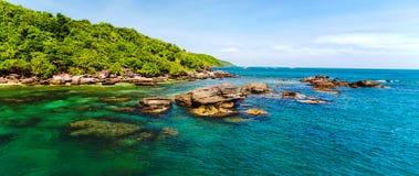 Jungle island sea Royalty Free Stock Photo