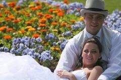 Jungvermähltenbraut und -bräutigam Stockfoto