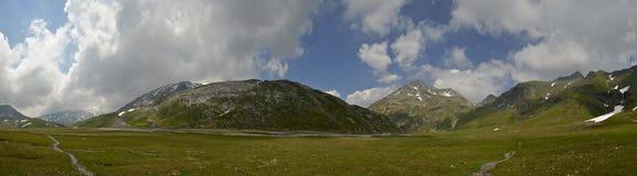 Panorama suíço do platô alto dos cumes Imagem de Stock Royalty Free