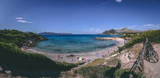 15 juni, 2016, Carrer Sant Joan, Mallorca, Spanje - Sant Joan Beach Stock Afbeelding