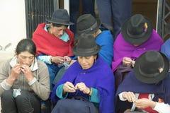 14 juni, het 2016-Ecuatoriaanse vrouwenwerk op ambachten Royalty-vrije Stock Foto