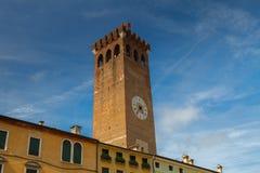 11. Juni 2016 Italien - mittelalterlicher Turm von Bassano del Grappa, VI Lizenzfreie Stockfotos