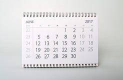 juni Kalender av året tvåtusen sjutton Arkivbild