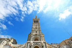 3,2016 juni: Notre Dame de la Garde van Marseille in Frankrijk Stock Afbeeldingen