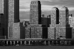 6. JUNI 2018 - NY, New York, USA - Eigentumswohnungen und Wohngebäude auf Hudson River, obere Westseite stockfoto