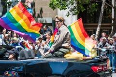 30 juni, 2019 San Francisco/CA/de V.S. - Vicki Hennessy, de Sheriff die van San Francisco bij SF Pride Parade op Markt deelnemen stock foto's
