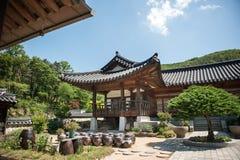 29. Juni 2017: Schöne traditionelle Architektur Foto gemacht am 29. Juni 2016 in Yongin-Stadt, Südkorea Stockbild