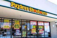 1 juni, 2019 Sunnyvale/CA/de V.S. - de opslag van Payless Shoesource met royalty-vrije stock fotografie