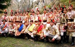 junii hora танцы представляя красный цвет Стоковые Изображения