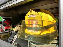 Junior Firefighter Helmet e engrenagem, Rutherford, NJ, EUA Fotos de Stock Royalty Free
