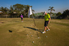Junior Players Golf Practice Green Stockfotos