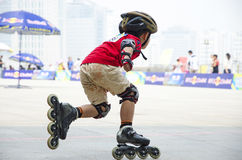 Junior Roller Skating Lizenzfreie Stockfotos