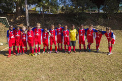 Juniorfußball-Team-Porträt Stockfotos