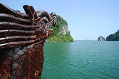 Junkboat della baia di Halong nel Vietnam Immagine Stock Libera da Diritti