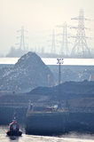 Junkyard am Hafen Stockfotografie