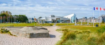 Juno Beach Canadian Center, Normandy, França fotos de stock royalty free