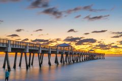 Juno Beach Pier images stock