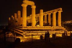 Juno Temple en el parque arqueológico de Agrigento Foto de archivo libre de regalías