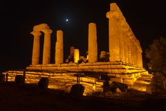 Juno Temple en el parque arqueológico de Agrigento Fotografía de archivo libre de regalías