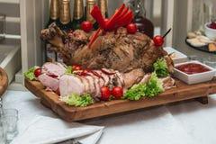 Junta Roasted da carne de porco fotografia de stock royalty free