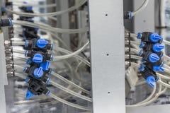 Juntas del cable y presión de sistema de control Imágenes de archivo libres de regalías