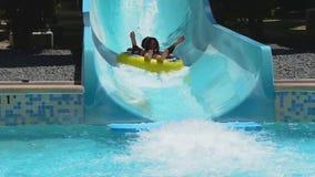Junte divertirse en la atracción del agua de la manera de Whanau en Aquatica metrajes